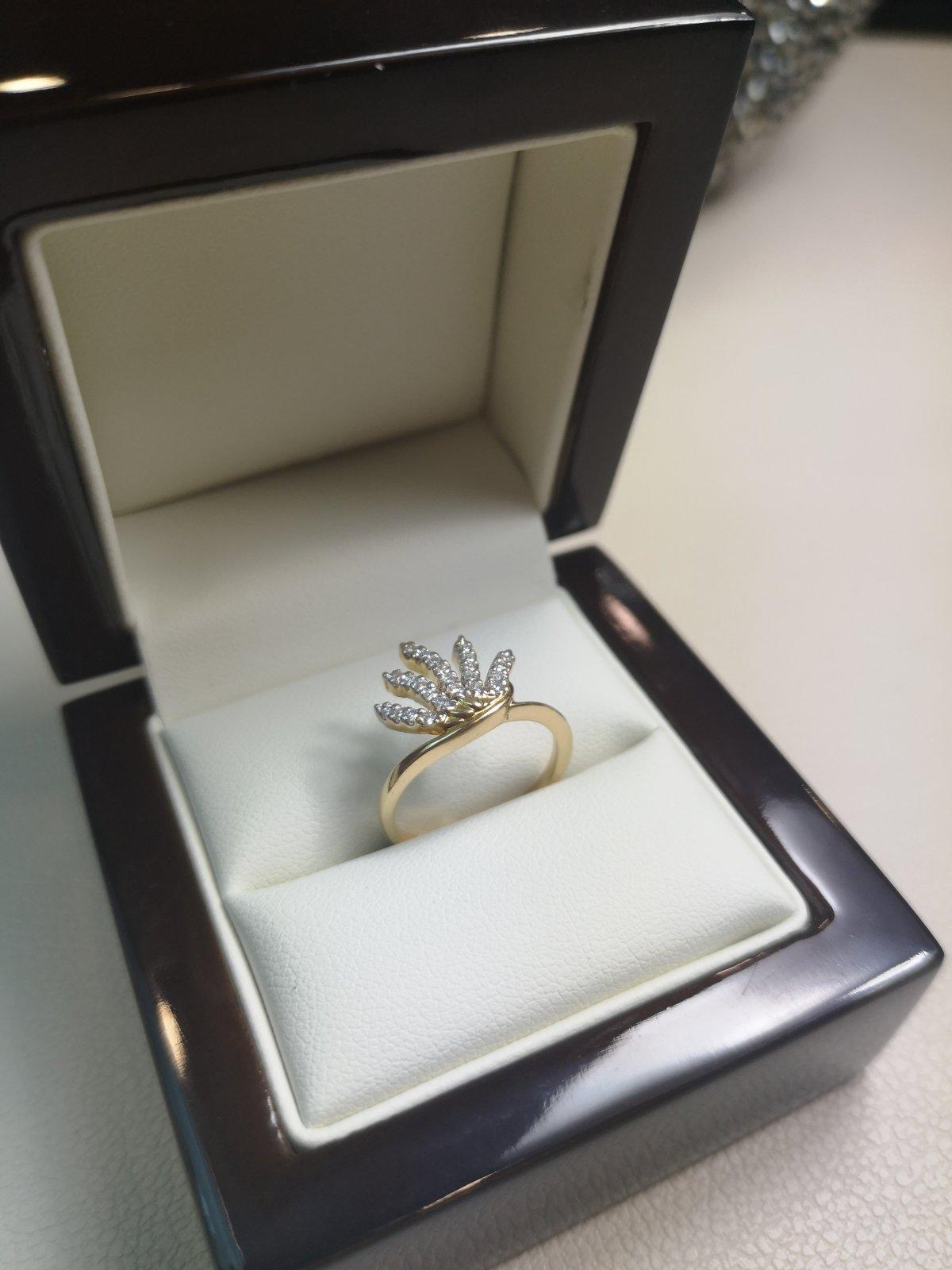 """Inel """"Marijuana"""" Aur 18k cu Diamante Naturale"""