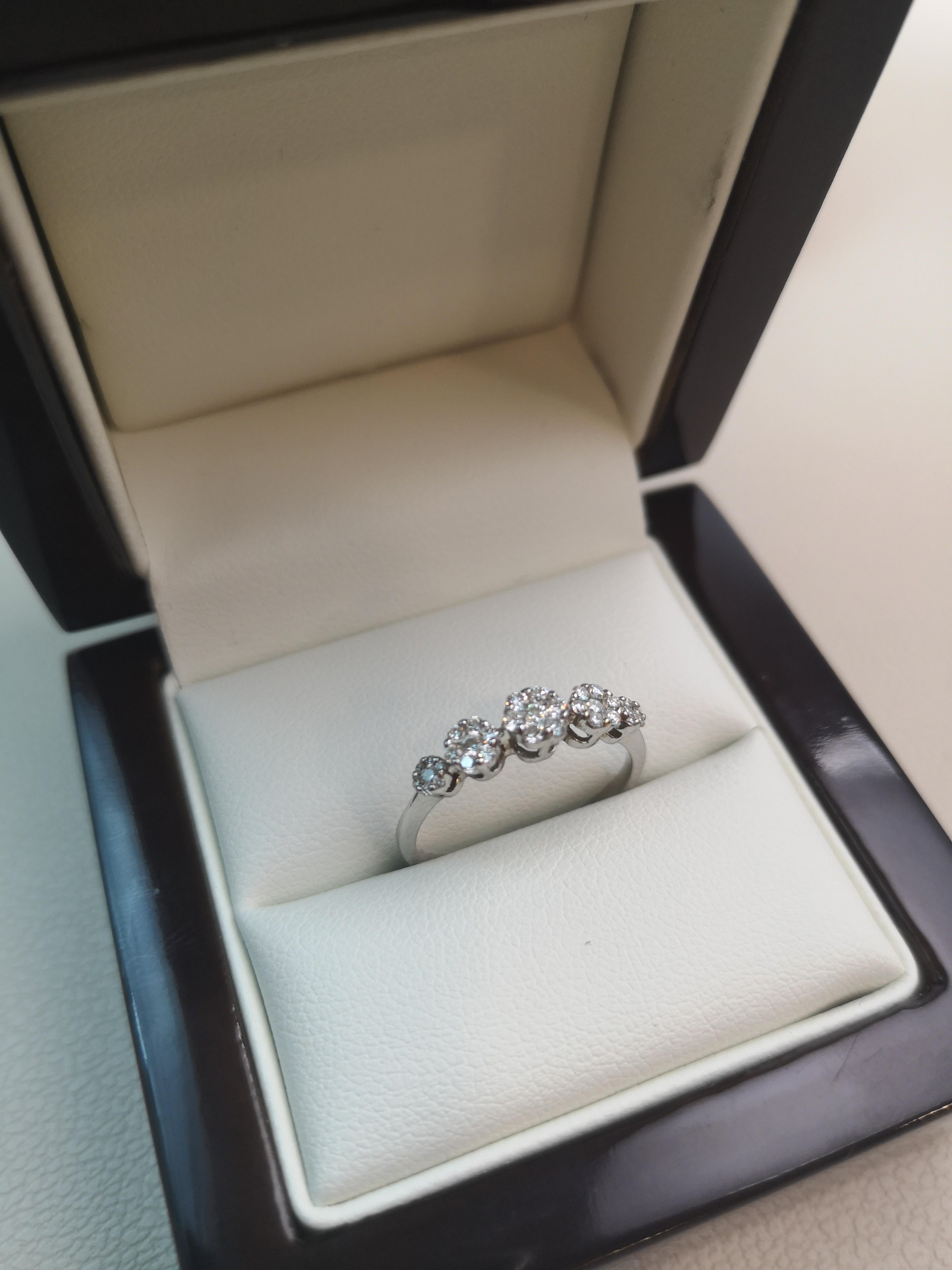 """Inel """"Flowers"""" Aur 18k cu Diamante Naturale"""