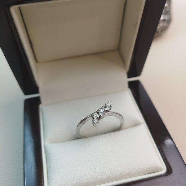 Inel aur 18k cu Diamante Naturale
