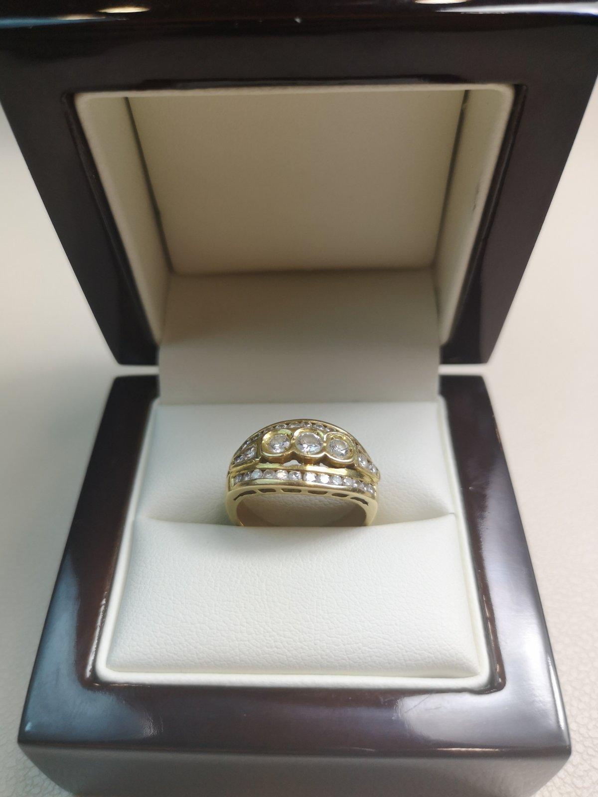 Inel Statement aur 18k cu Diamante