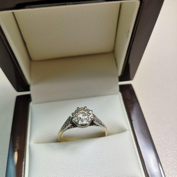 Inel Victorian Solitaire aur 18k cu Diamant