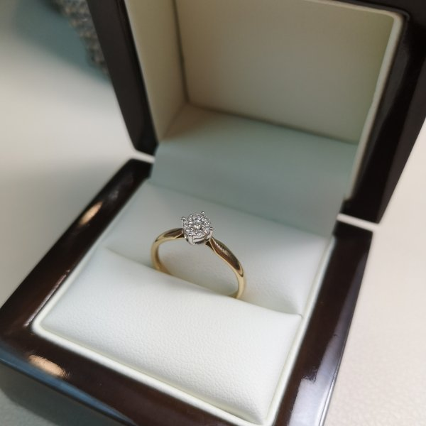 Inel Solitaire Aur 9k cu Diamante Naturale