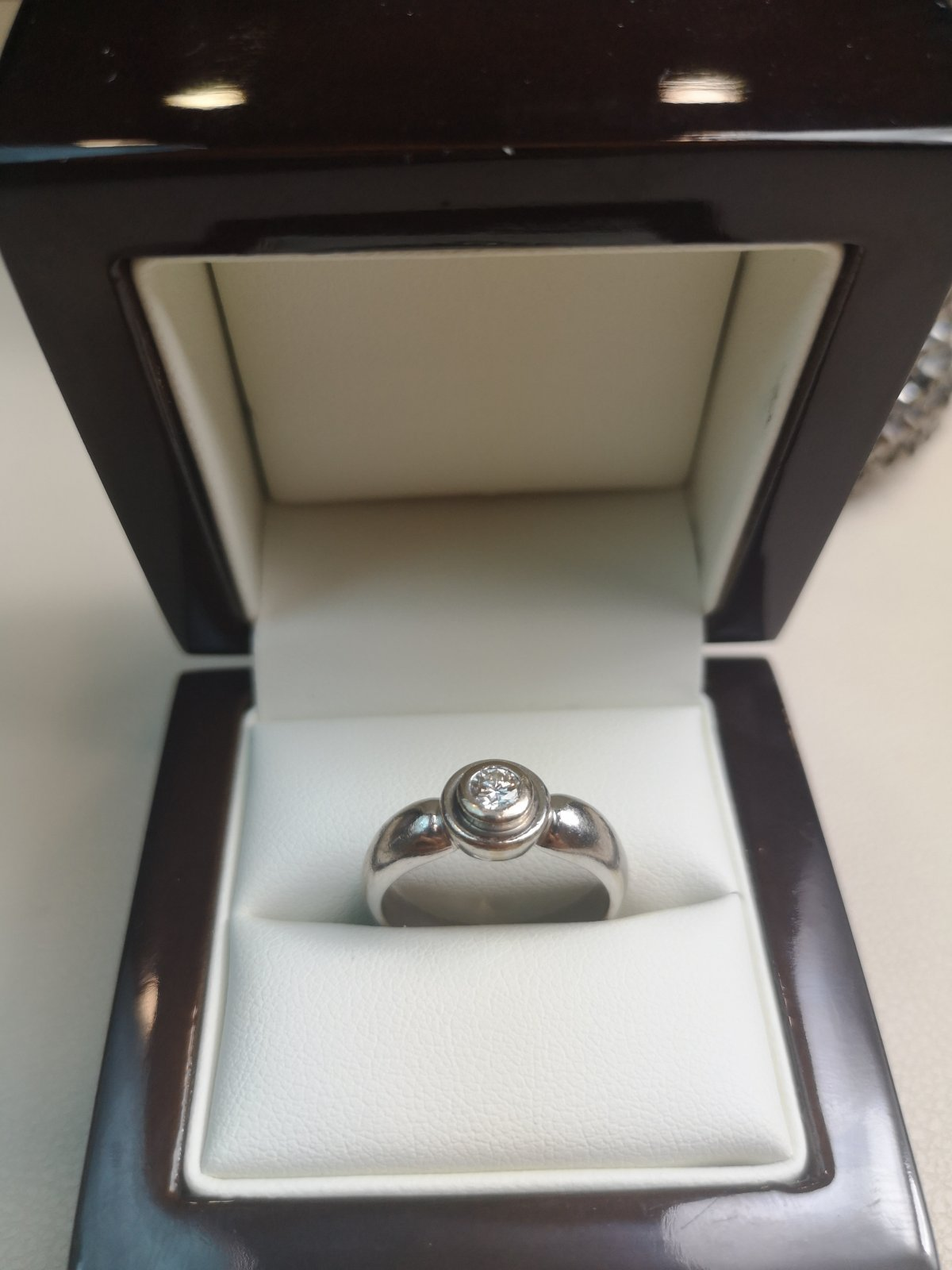 Inel Solitaire aur 18k cu Diamant Natural