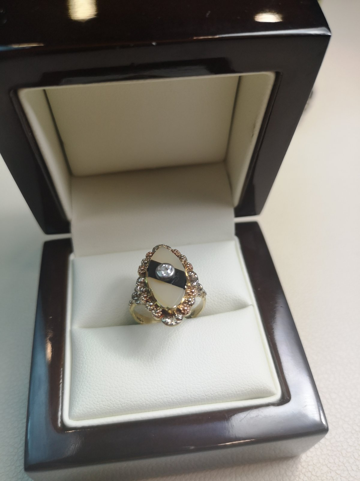 Inel Victorian aur 18k cu Diamant Natural