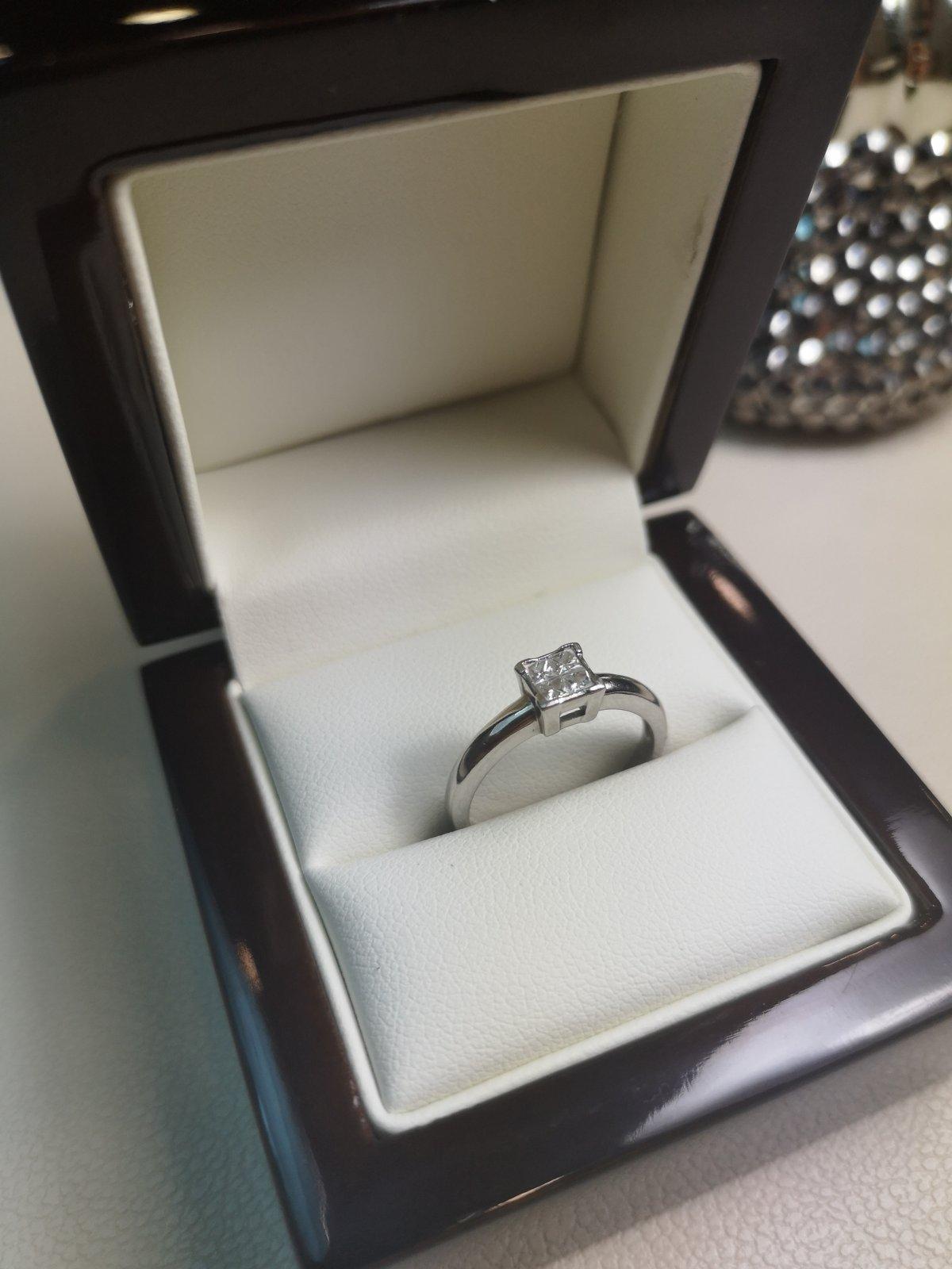 Inel Platina 950 cu Diamante Naturale
